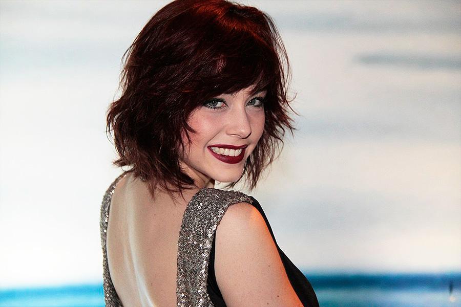 """O cabelo ruivo de Bia Arantes - tingido para seu papel em """"Sangue Bom"""" - foi novamente eleito o mais desejado pelos telespectadores"""