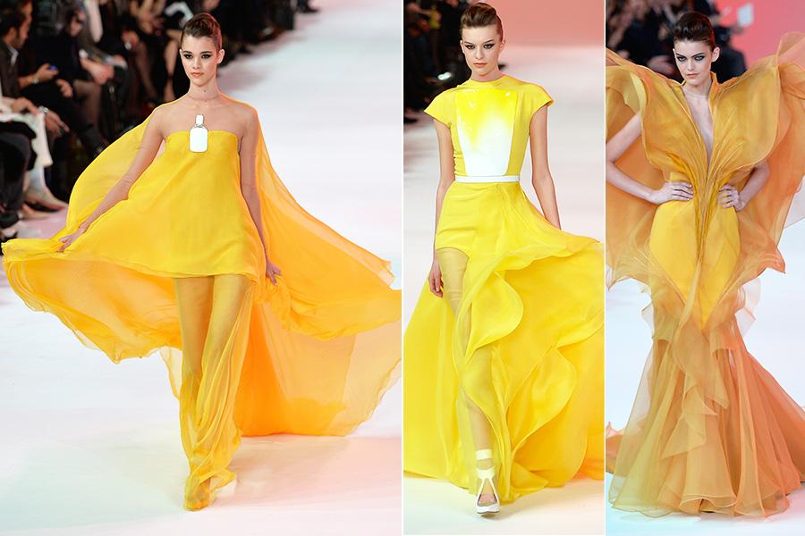 Na sequência, Stéphane Rolland chamou atenção ao apostar em modelitos de cores vibrantes e silhueta dramática, como os looks em amarelo