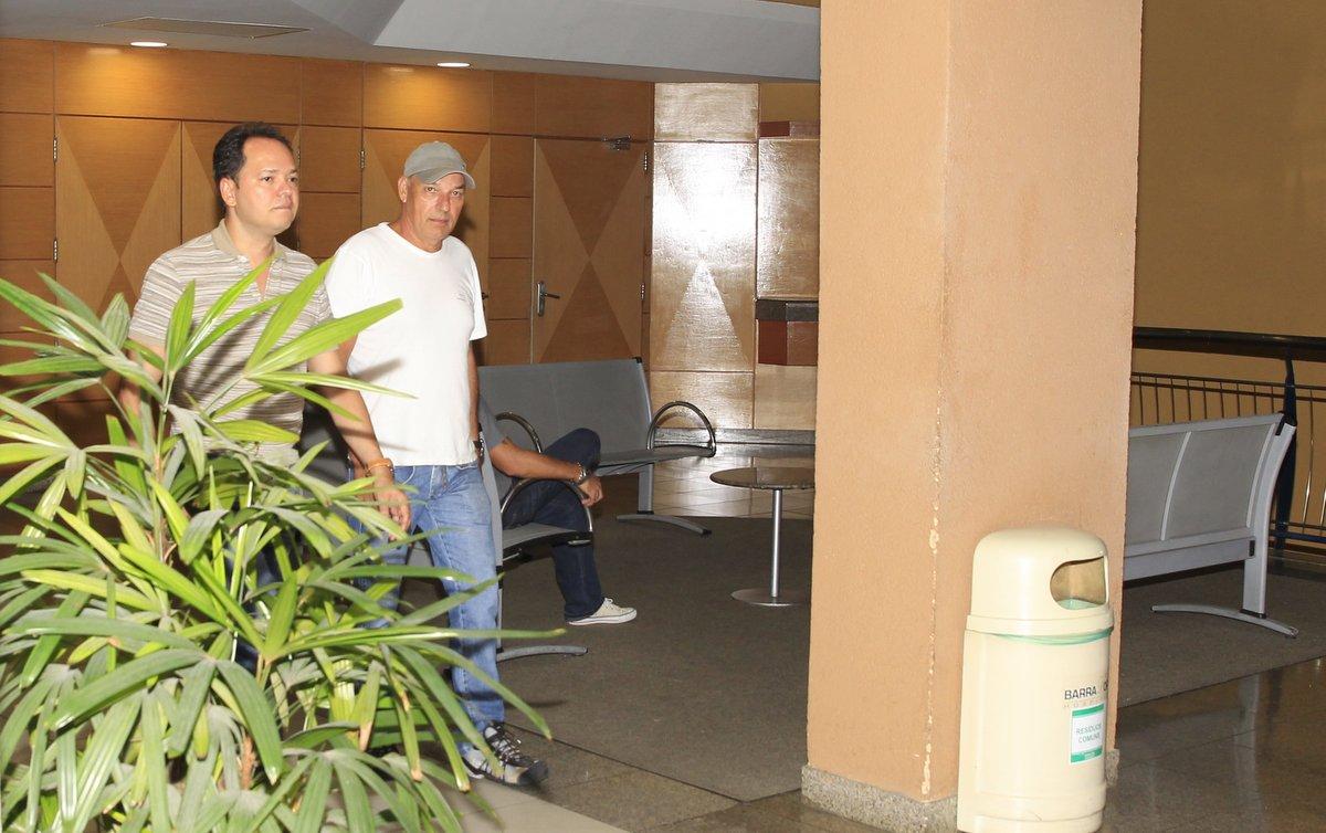 O pai de Isis, Rubem (de boné), saiu de Minas Gerais e veio para o Rio de Janeiro acompanhar a filha