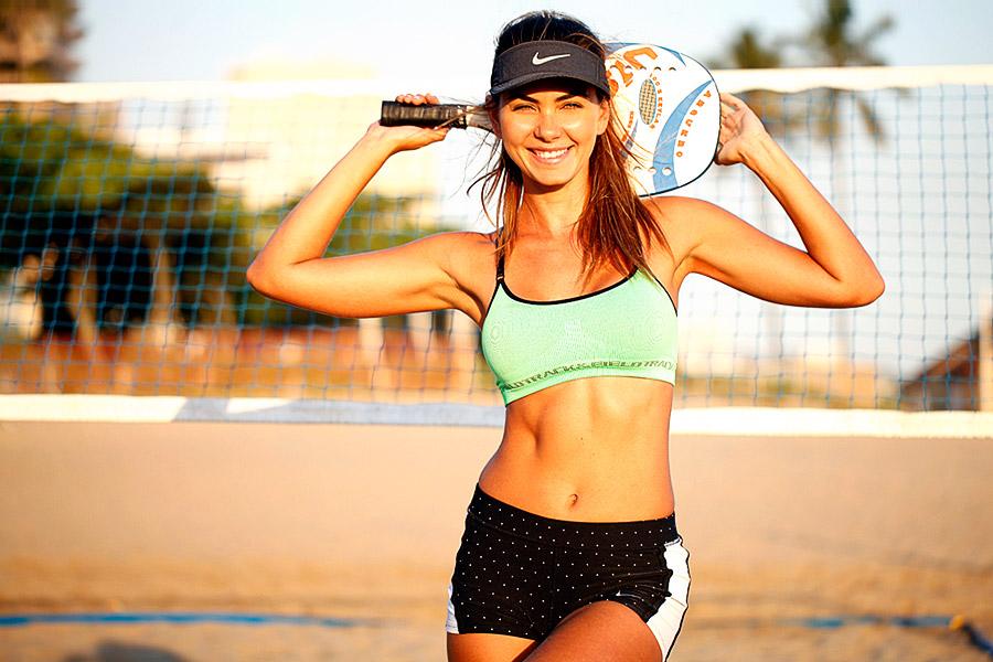 """Leticia Wiermann: """"Nunca tinha jogado nada com raquete e tinha muita vontade ao ver o pessoal praticando na praia"""""""