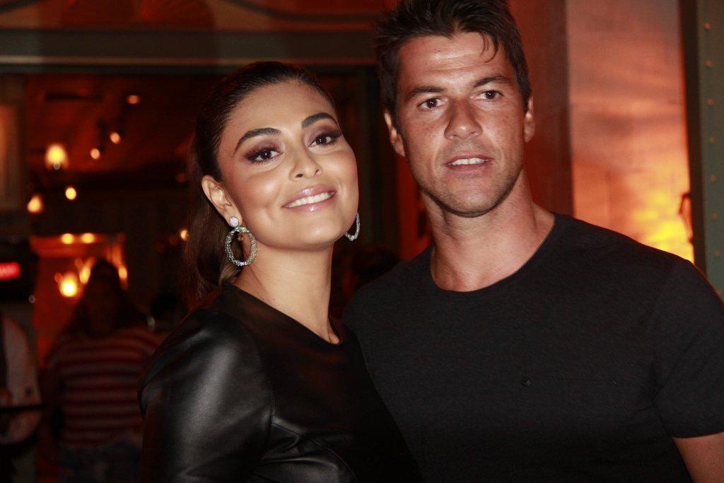 Juliana Paes e o marido