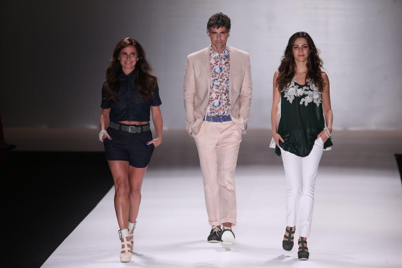 Giovanna Antonelli, Reynaldo Gianecchini e Tainá Müller desfilam o primeiro look no Fashion Rio