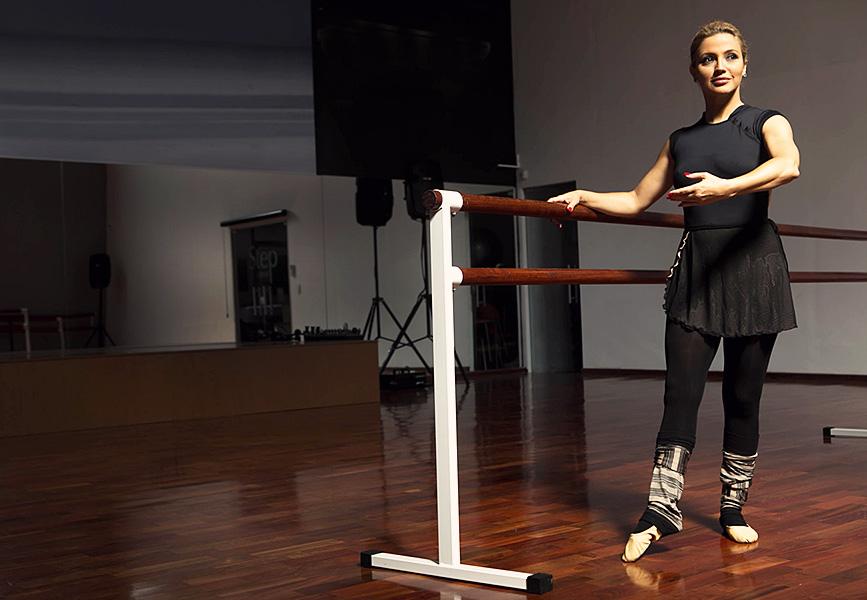Patricia de Sabrit posa para o EGO durante aula de balé em academia da Zona Sul de São Paulo