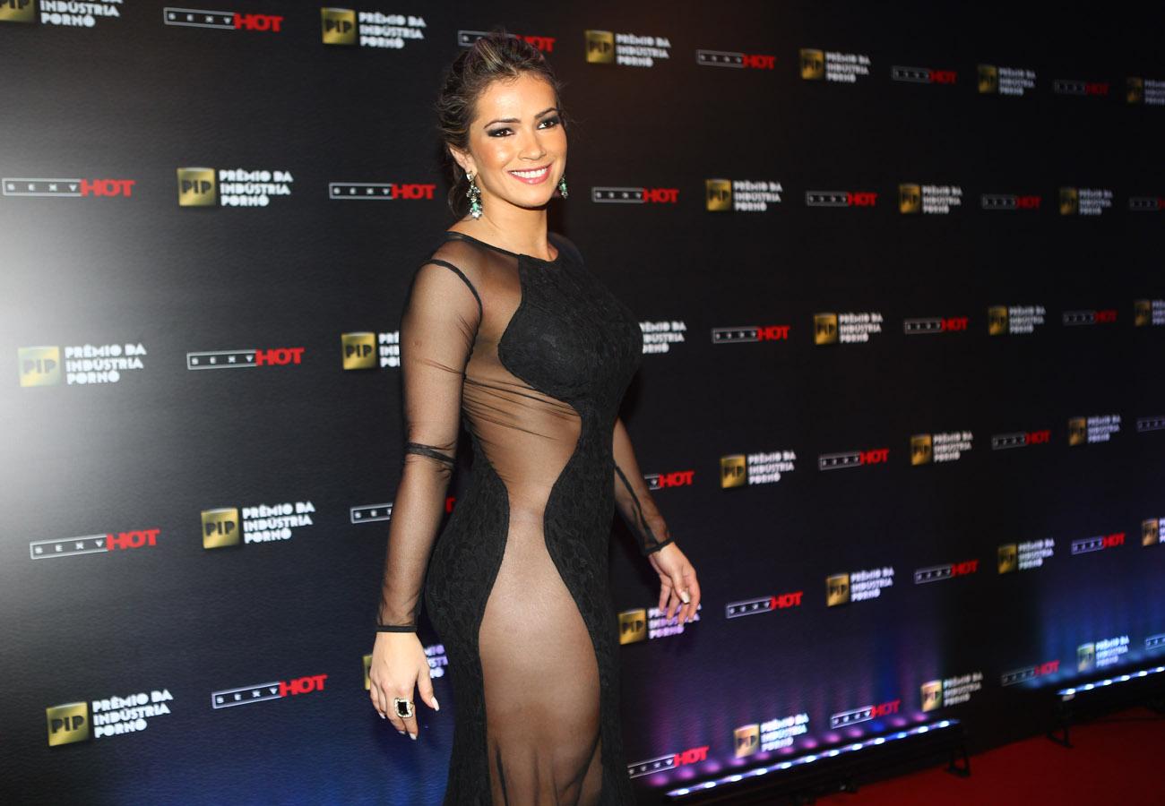 Fani Pacheco com um vestido supersexy