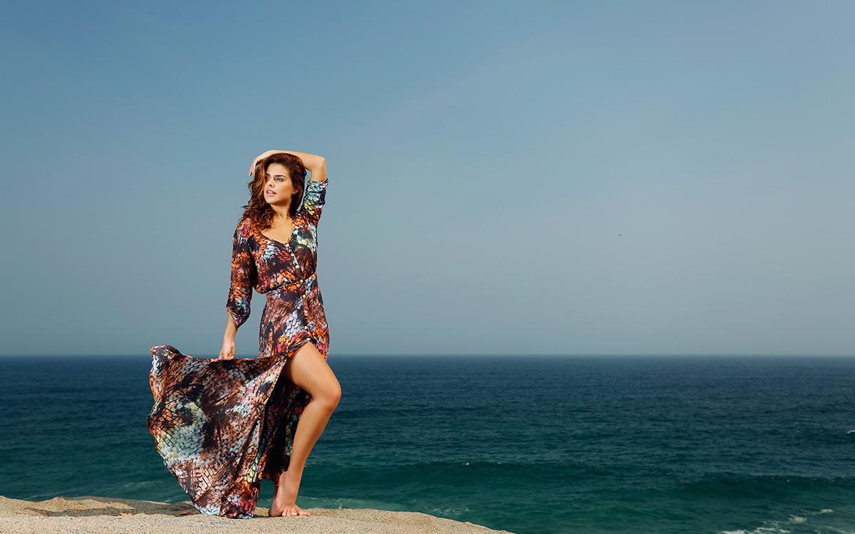 Paloma Bernardi posa para o EGO na praia da Macumba, na Zona Oeste do Rio de Janeiro