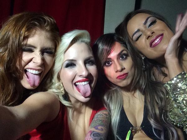 Ex-BBBs Amanda, Clara, Vanessa e Leticia em festa em São Paulo