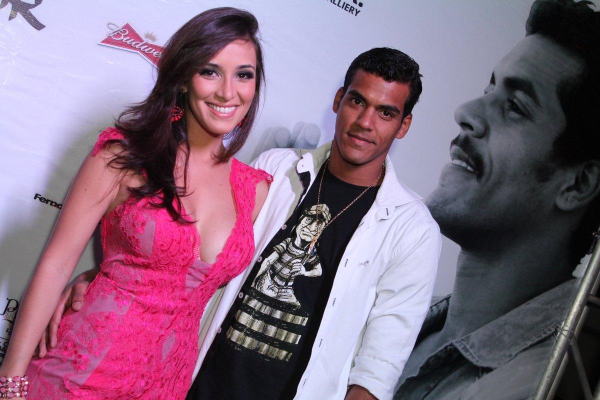 Marcello Melo Jr. e a namorada, Caroline Alves, em boate na Zona Sul do Rio