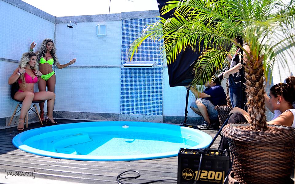 Ana Paula e Tatiane Minerato posam para o Paparazzo
