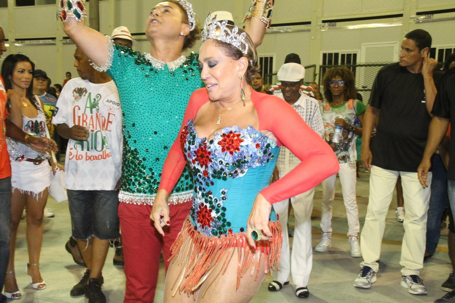 David Brazil e Susana Vieira no ensaio técnico da Grande Rio na Marquês de Sapucaí, no Centro do Rio