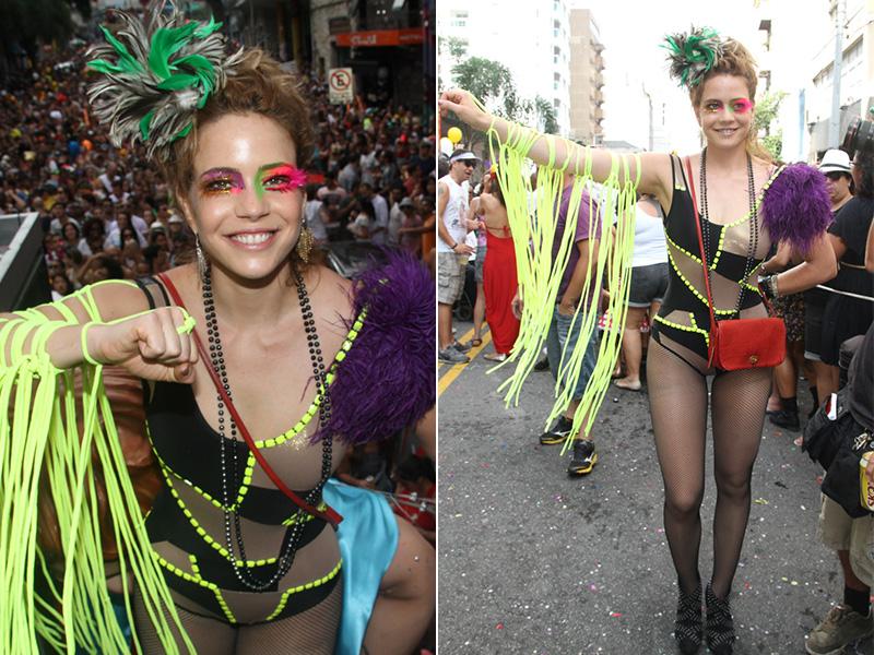 Para ir ao bloco Acadêmicos do Baixo Augusta, em São Paulo, no último domingo, 8, Leandra Leal usou fantasia inspirada no grupo Dzi Croquettes