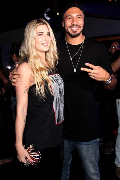 Ex-BBBs Fernando Medeiros e Aline Gotschalg em festa no Rio