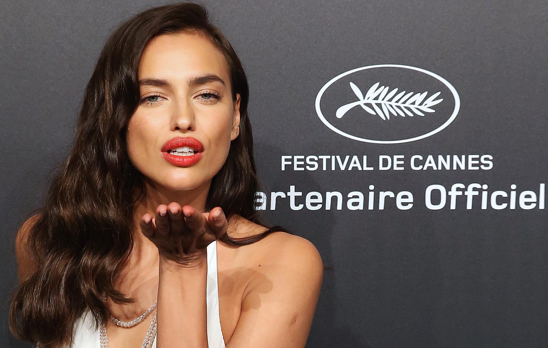 Irina Shayk em festa em Cannes, na França