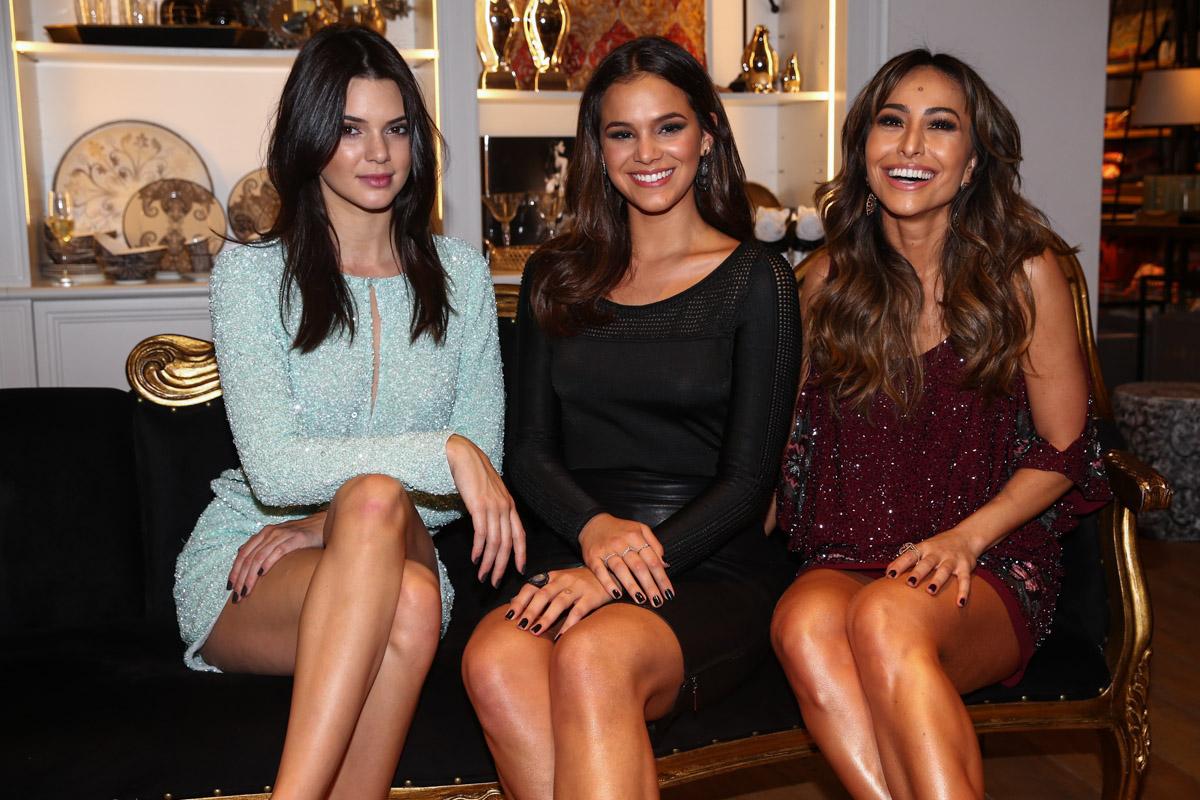 Kendall Jenner, Bruna Marquezine e Sabrina Sato em evento em São Paulo