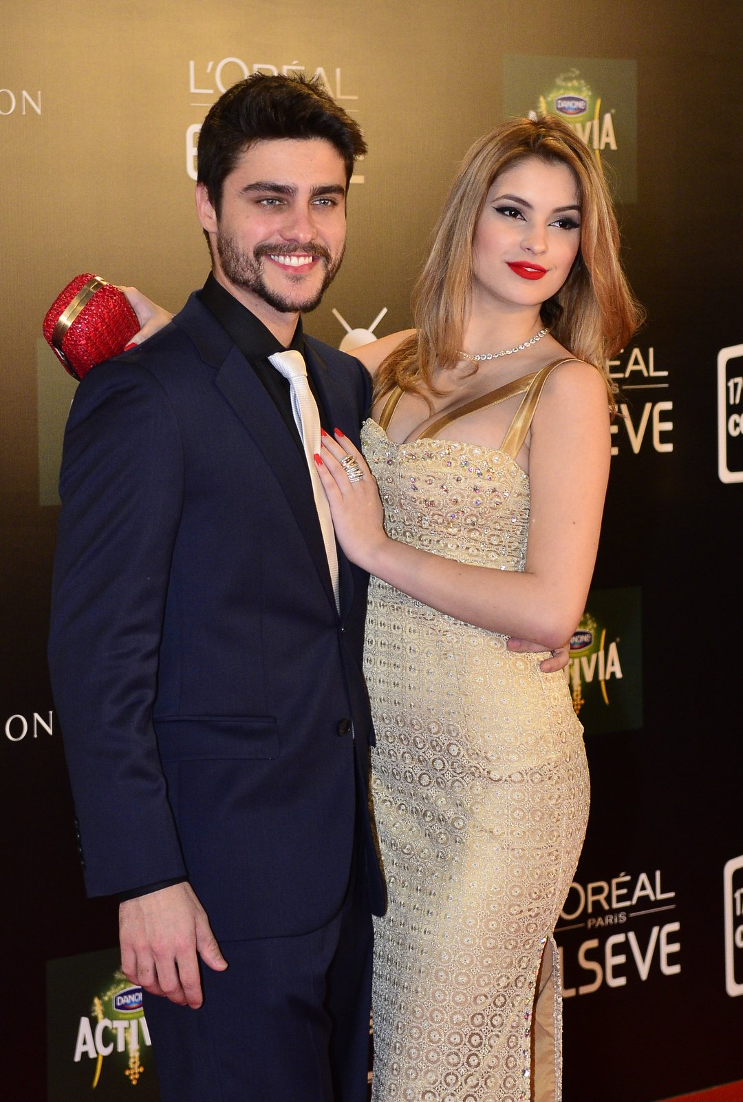 Guilherme Leicam e namorada