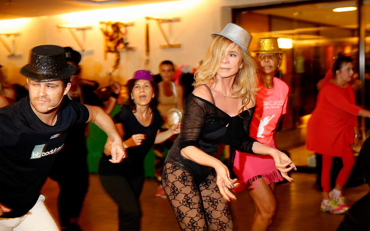 """O projeto """"Dançando contra o Sedentarismo"""" foi abraçado por Nadja Winits, que faz três aulas de dança por semana"""