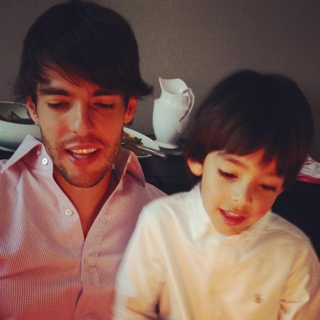 Não tem como não começar essa galeria com um dos filhos mais parecidos com o pai: Luca Celico, o filho de Kaká, é a cópia do jogador!