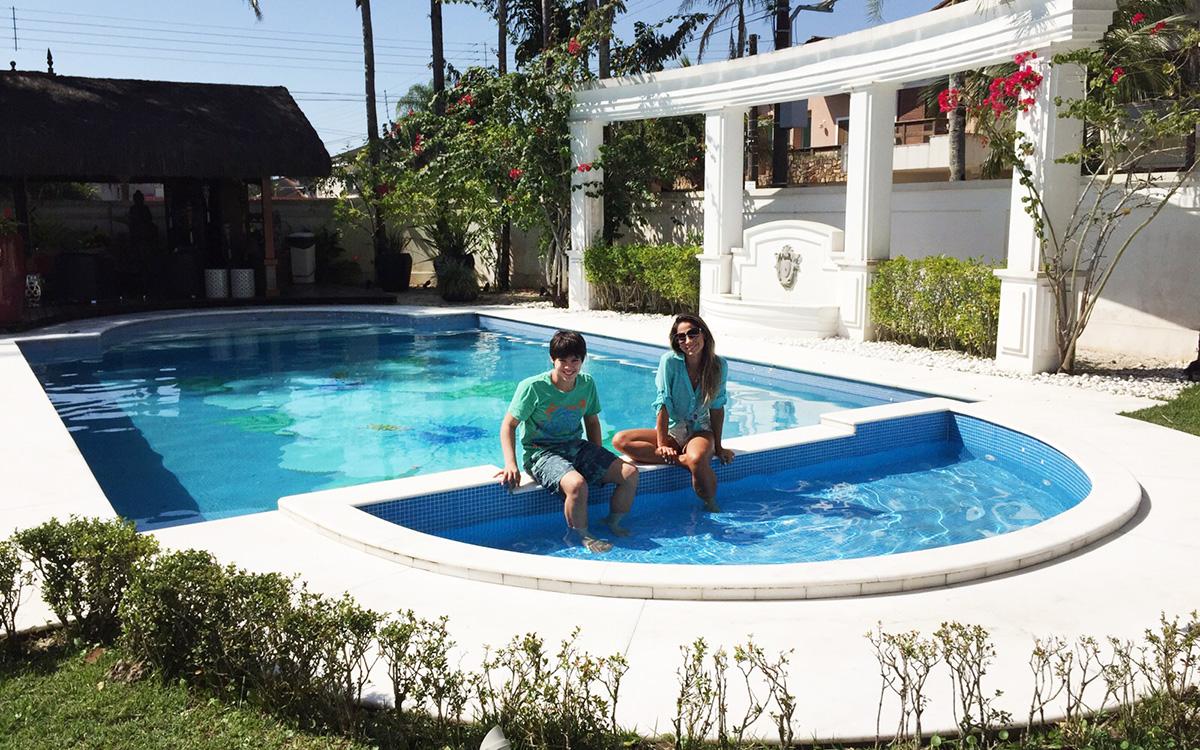 image Vizinha na piscina bbb da vida real
