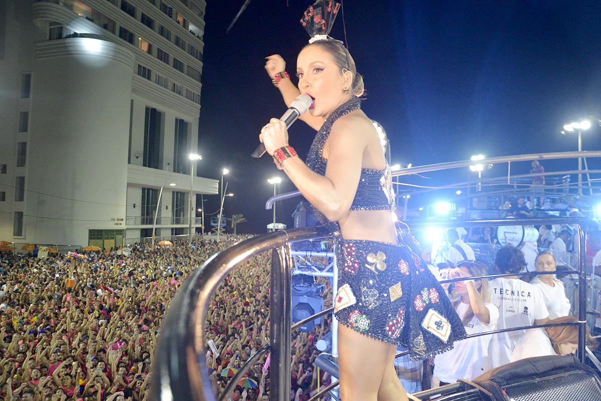 aClaudia Leitte no carnaval de Salvador