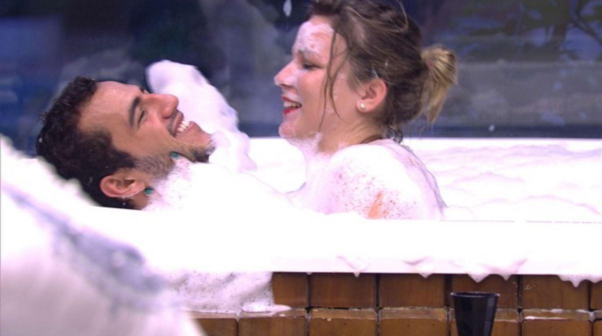 videos de sexo amador sexo na banheira