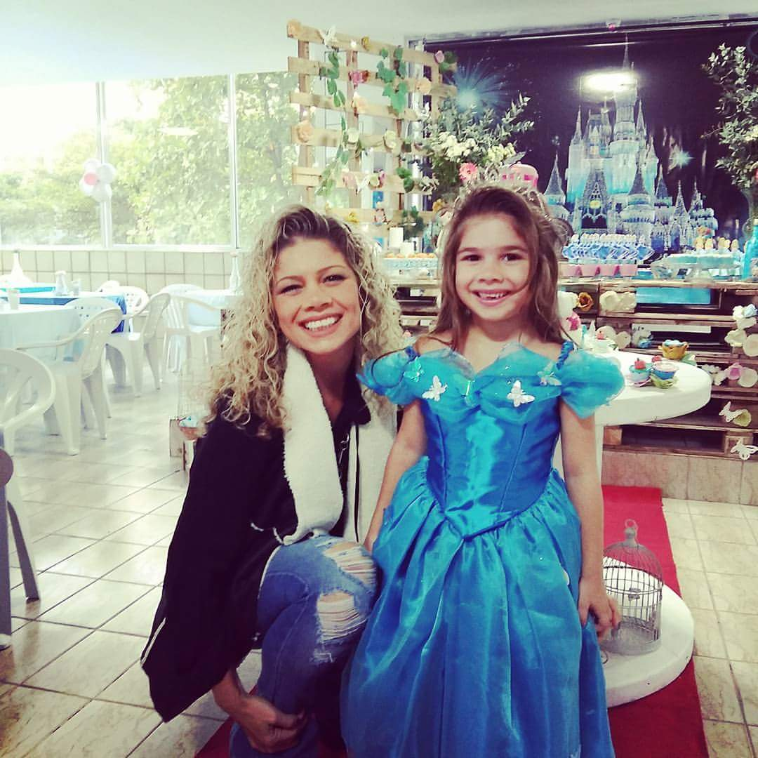 Resultado de imagem para Catia Paganote e filha
