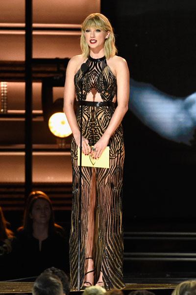 Taylor Swift em prêmio de música country em Nashville, no Tennessee, nos Estados Unidos