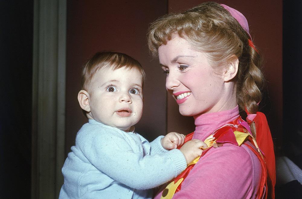 Debbie Reynolds com Carrie Fisher em 1956