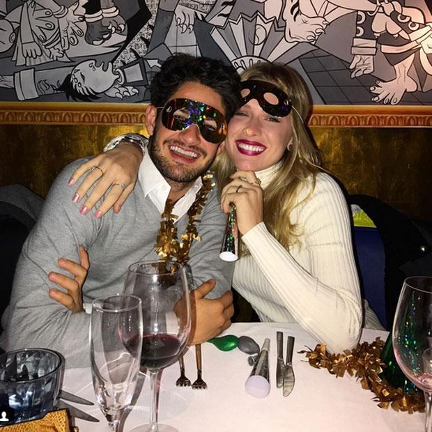Fiorella Mattheis e Alexandre Pato em festa de réveillon em Valencia, na Espanha
