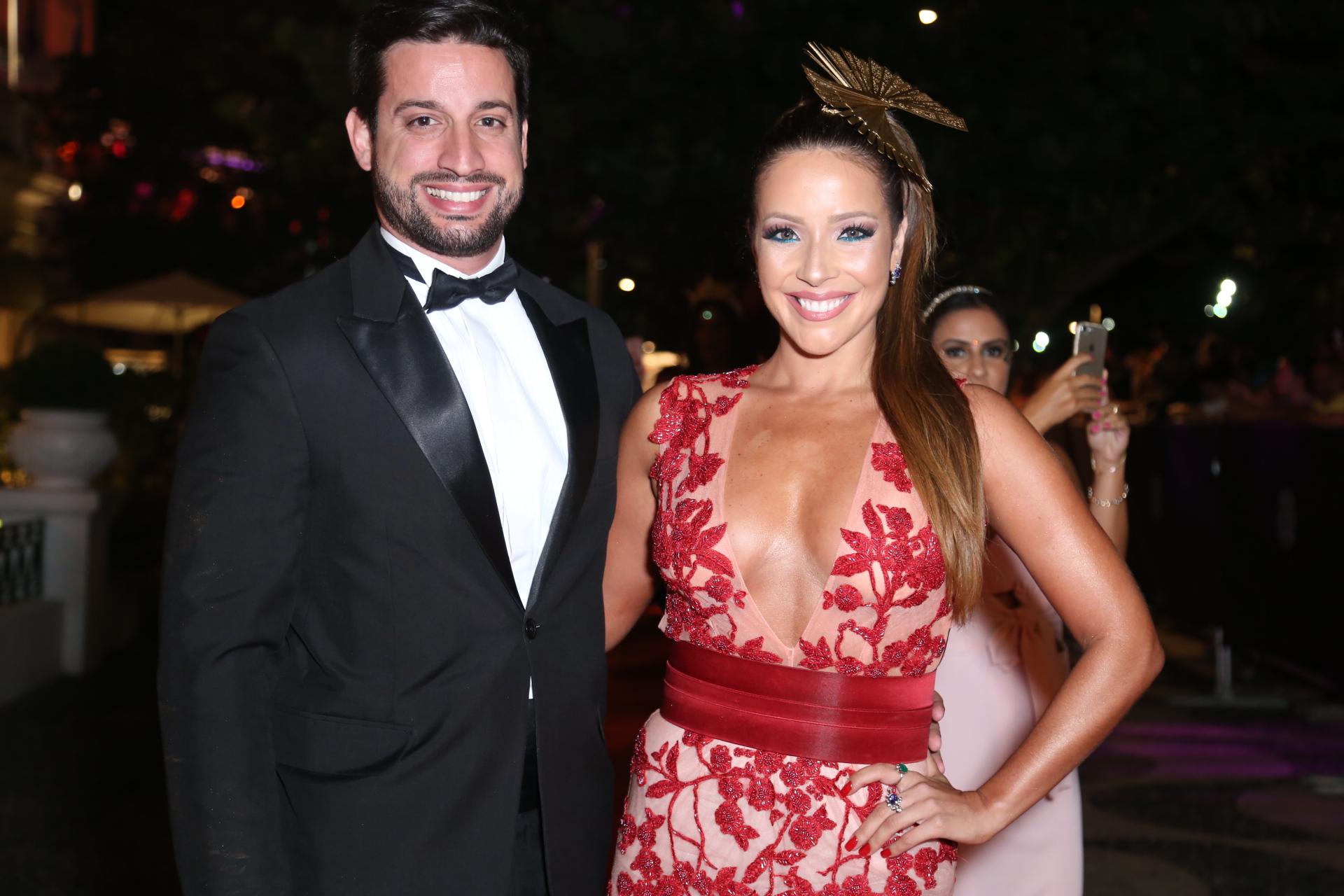 Renata Domingues e marido