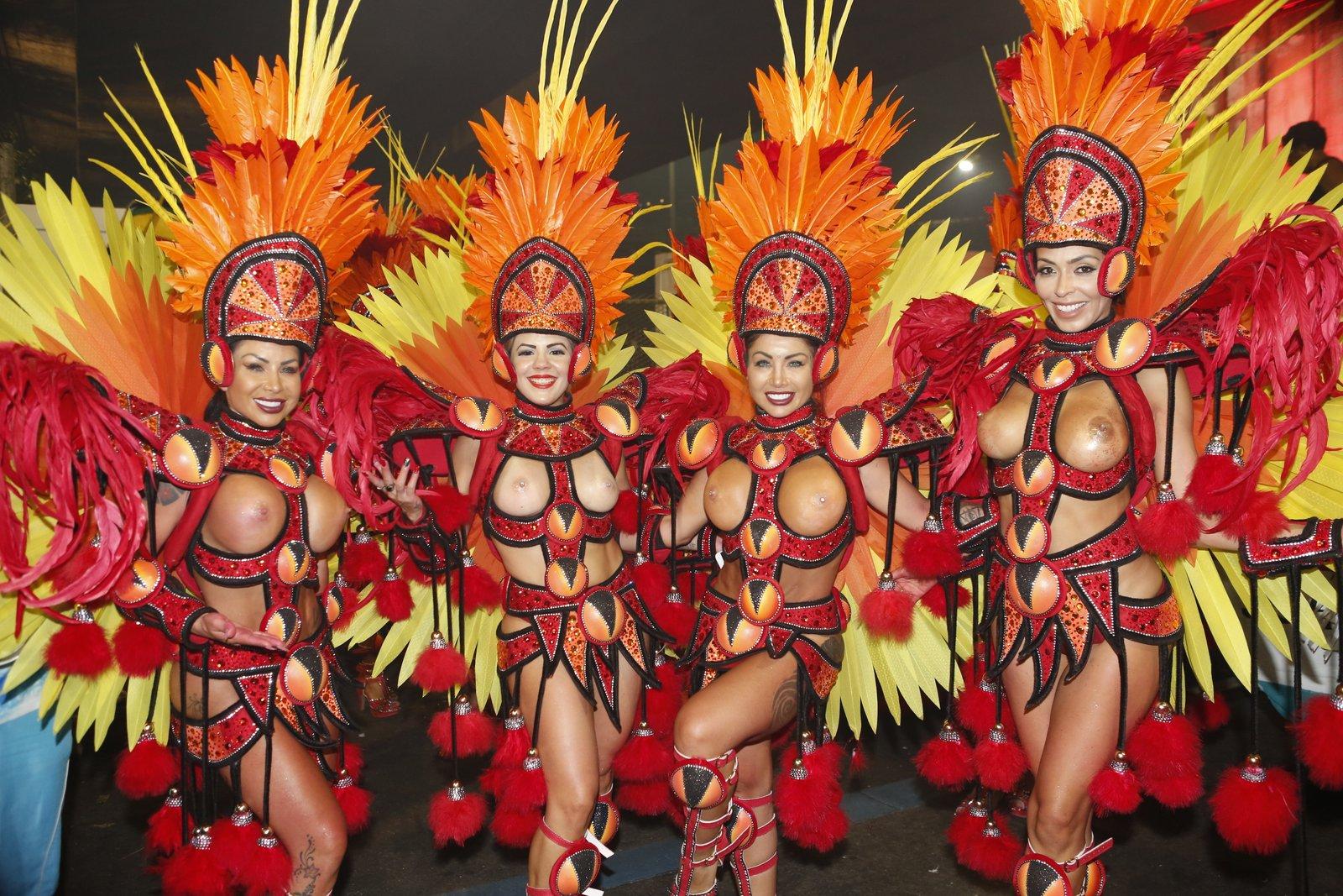 Порнфото с базильских карнавалов