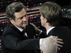 Colin Firth leva  a estatueta de melhor ator (Reuters)