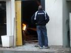 Ladrões explodem caixa eletrônico instalado em posto, diz polícia em MS
