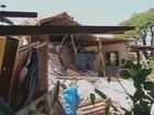 Caminhão invade e destrói duas casas em Vitoriana, SP