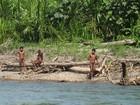 Fotos raras de índios isolados na Amazônia peruana são divulgadas