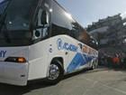 Australiano vende empresa de ônibus e dá US$ 5 mil a cada funcionário