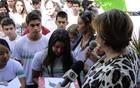 Alunos fazem homenagens às vítimas do Rio (Pedro Triginelli / G1)