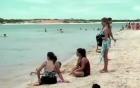 Turistas visitam Ilha do Amor e fazem folia (TV Verdes Mares Cariri/Reprodução)
