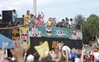 Bloco arrasta multidão com hits dos Beatles (Ideraldo Gomes/VC no G1)