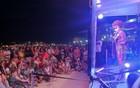Público dá gargalhadas em Copacabana (Janaína Ferreira/G1)
