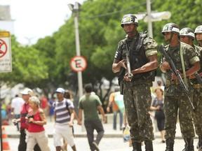 Homens da Polícia do Exército circulam pelas ruas de Salvador nesta sexta-feira (3) (Foto: Divulgação/Adenilson Nunes/Secom)