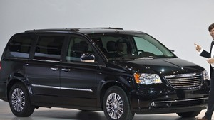 town and country 2011 recalls