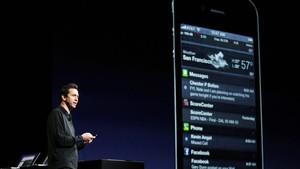 Scott Forstall, vice-presidente da Apple, mostra as novidades do iOS em conferência em San Francisco (Foto: Beck Diefenbach/Reuters)