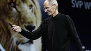 Steve Jobs fala sobre o sistema operacional Lion durante encontro em San Francisco (Foto: Paul Sakuma/AP)