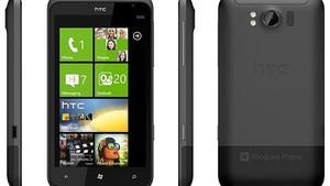A HTC revelou em evento em Berlim na quinta-feira (1) dois novos smartphones equipados com o Mago, a atualização do sistema operacional Windows Phone 7, da Microsoft. O celular Titan, com tela de 4,7 polegadas – um pouco menor que o Galaxy Note, apresenta (Foto: Divulgação)