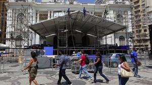 Palco para ato em defesa dos royalties é montado no Centro (Alex Ribeiro/Agência Estado)