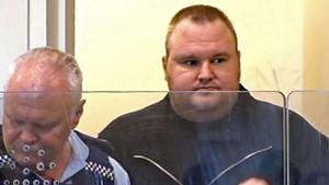 Kim Dotcom, fundador do site Megaupload, é preso em Auckland, na Nova Zelândia. Um dos maiores sites de compartilhamento de arquivos do mundo, o Megaupload, foi tirado do ar e vários de seus executivos foram acusados de violar leis antipirataria dos EUA. (Foto: AFP/TV3)