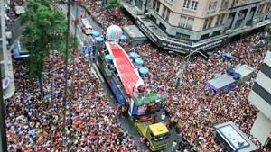 Blocos levam multidão às ruas do Rio (Tasso Marcelo/AE)