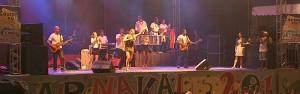 Baiana Márcia Freire comanda  a festa no carnaval do Icaraí (TV Verdes Mares/Reprodução)