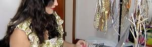 Descartadas após carnaval, fantasias geram renda extra (Reprodução/ TV Gazeta)