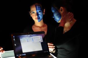 Modelos mostram notebook com acesso a internet via WiMax, um dos padrões que 'disputam' o título de 4G, embora sem cumprirem todos os padrões exigidos pelo ITU(International Telecommunication Union, órgão responsável pela padronização das telecomunicações