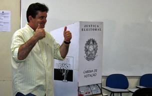 José de Anchieta Júnior vota em Boa Vista